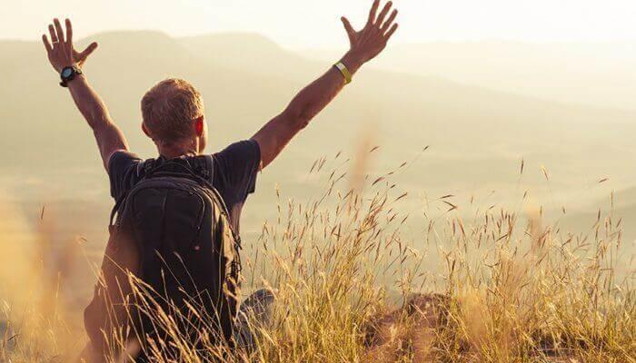 A liberdade de viajar sozinho