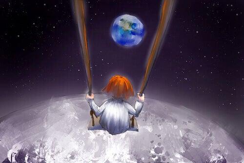 Criança em balanço na Lua