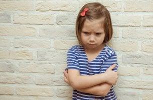 Chantagem emocional com crianças: uma estratégia triste e prejudicial