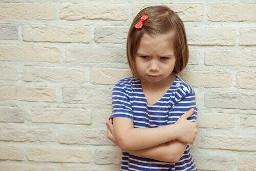 A chantagem emocional com crianças: uma estratégia triste e prejudicial