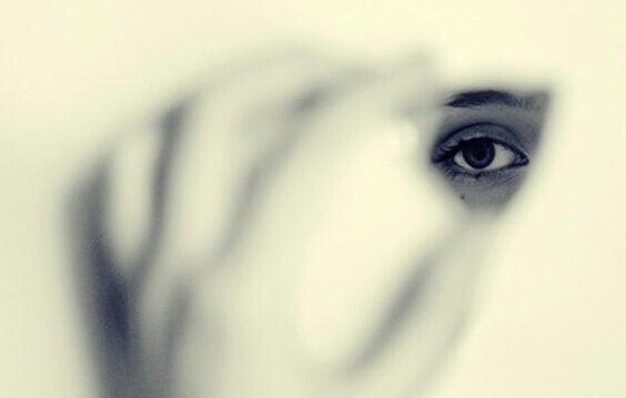 Os medos que nos tornam invisíveis