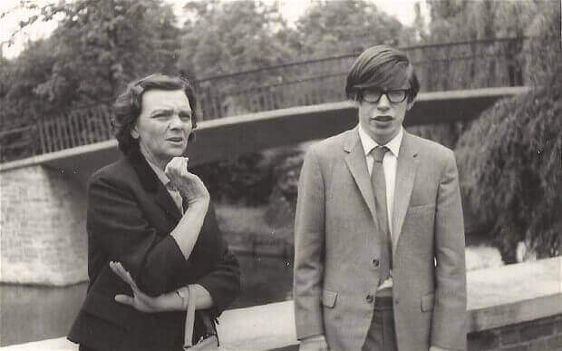 Stephen Hawking jovem