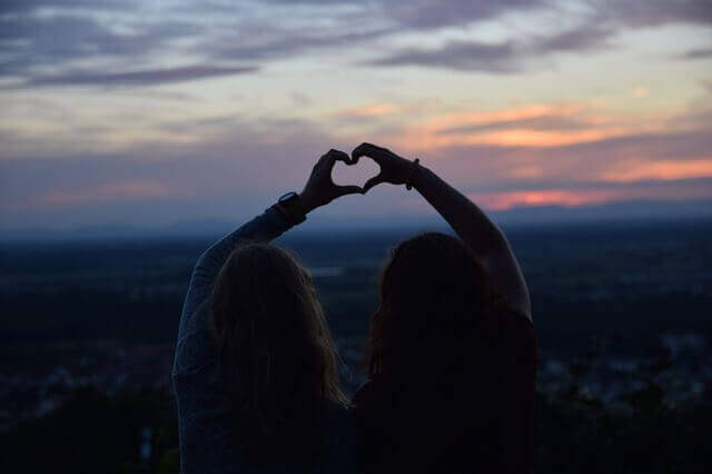 O amor vem e vai, mas a amizade verdadeira permanece