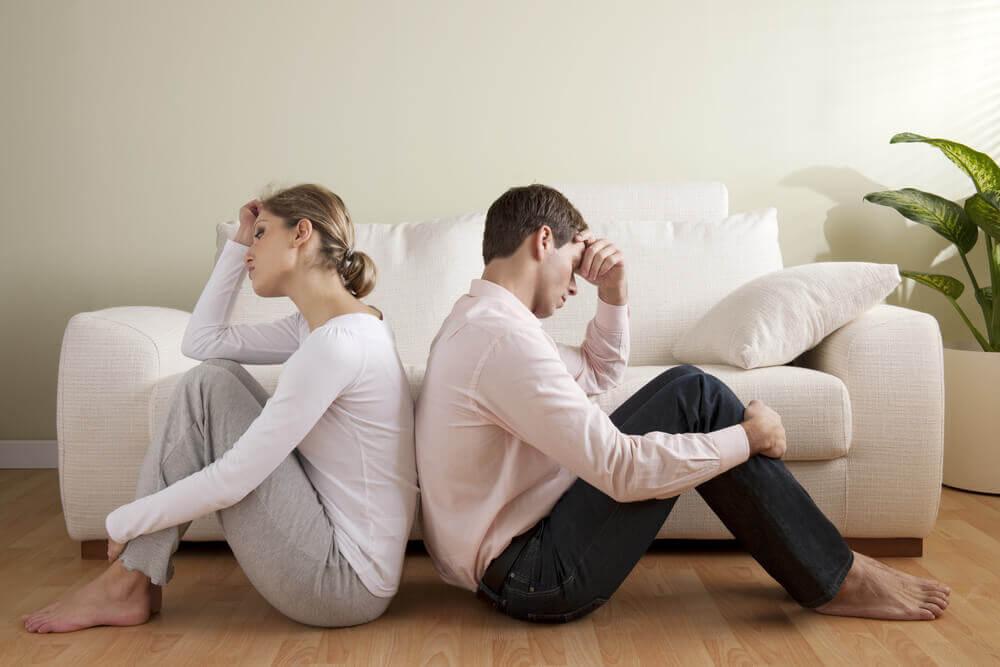 Casal tendo briga