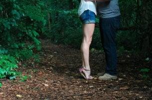 Casal com dúvidas no amor