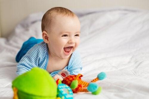 Bebê sorridente