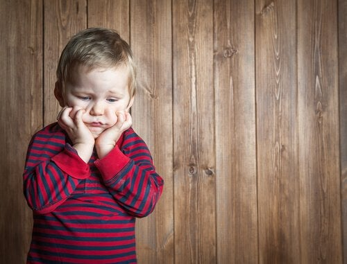Criança sem saber lidar com a frustração
