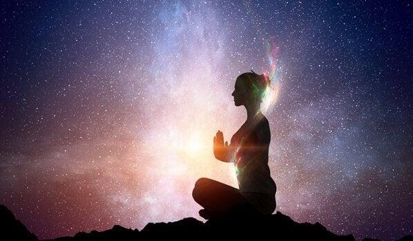 Como despertar a luz que possuímos dentro de nós segundo a sabedoria oriental