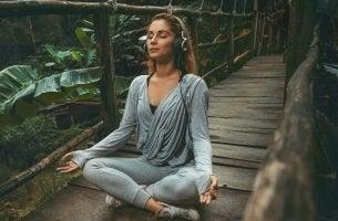 Benefícios de ouvir música relaxante