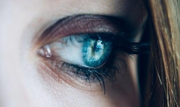 Olhar feminino triste