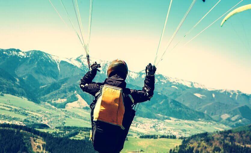Pular de paraquedas