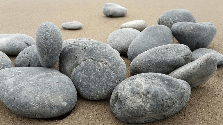 Pedras em praia