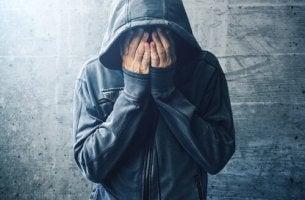 Teoria da automedicação na toxicodependência