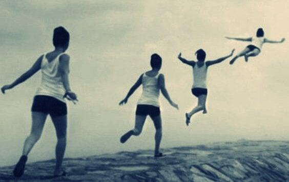 Mulher correndo e voando
