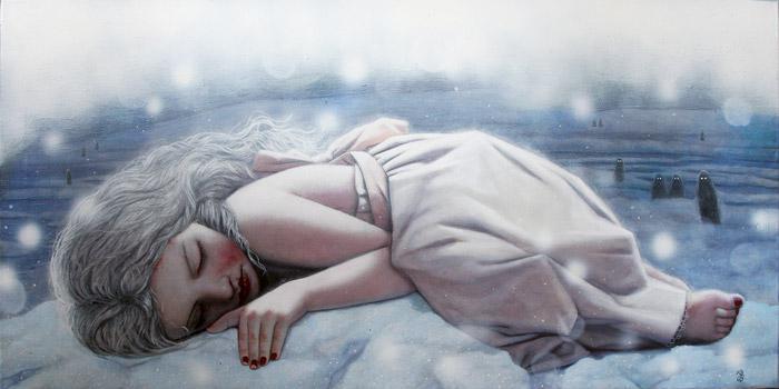Menina dormindo na neve