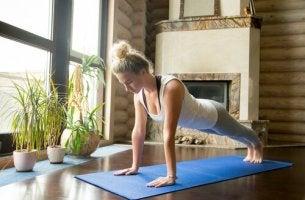 Dicas para praticar ioga em casa