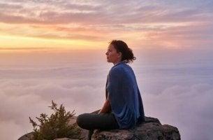 O silêncio no topo de uma montanha