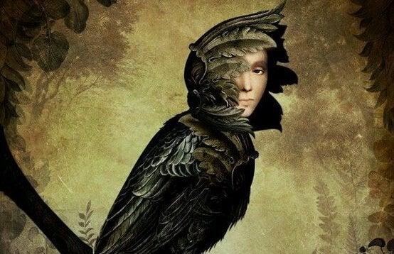 Homem vestido de pássaro