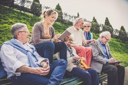 Grupo de amigos idosos