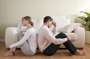 Por que alguns casais infelizes permanecem juntos?
