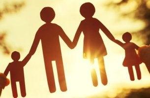 Os pactos de silêncio nos dramas familiares
