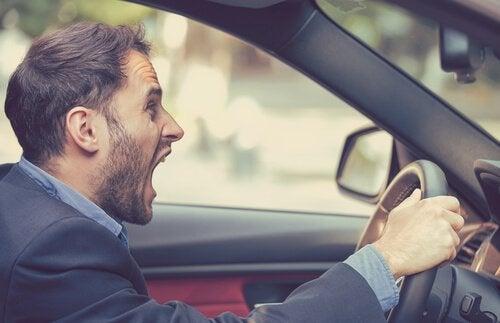 Estresse e agressividade dos motoristas ao volante