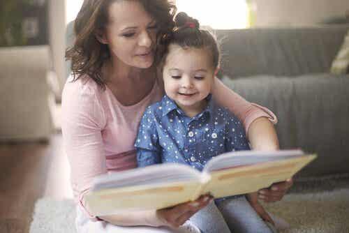 Benefícios de ler contos para as crianças