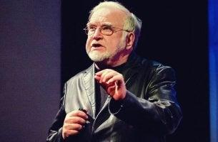 Mihaly Csikszentmihalyi e a psicologia das experiências ótimas