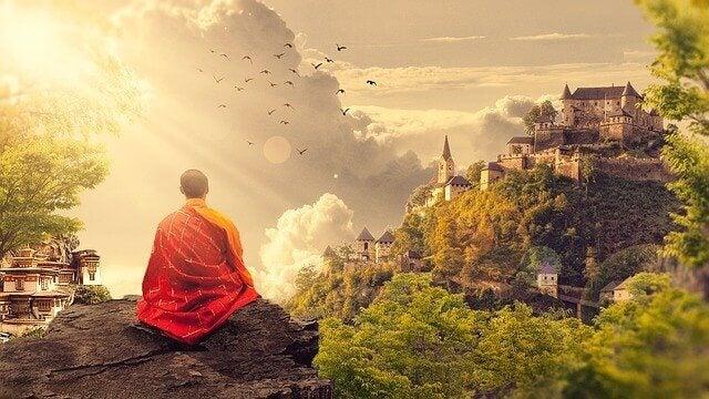 Monge budista meditando
