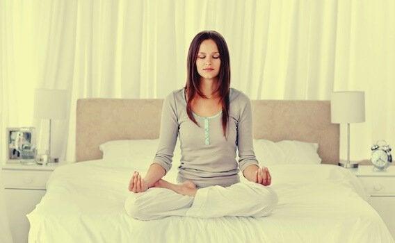 4 técnicas de relaxamento para dormir melhor