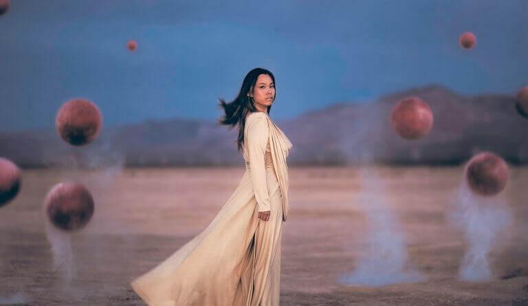Mulher em outro planeta