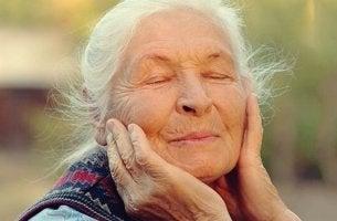 Controle das emoções na velhice: o segredo do bem-estar