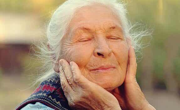O controle das emoções na velhice: o segredo do bem-estar