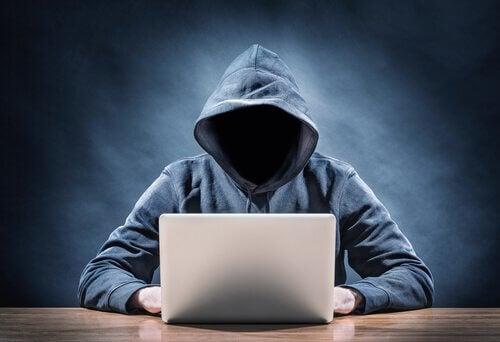 4 características dos predadores sexuais da internet