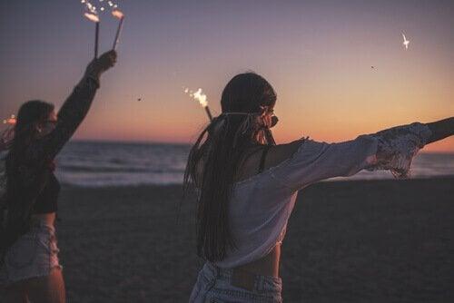 Adolescentes na praia