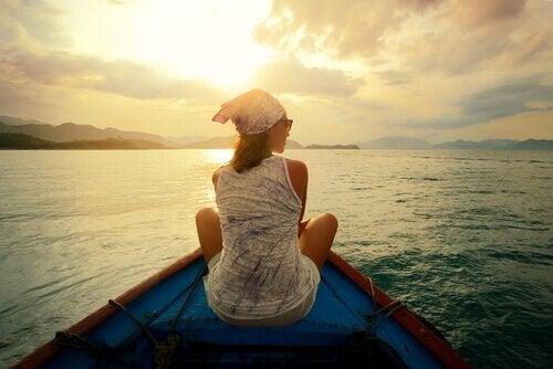 Mulher em barco