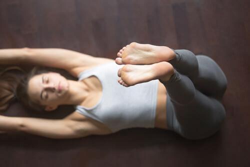Asanas de yoga para dormir bem