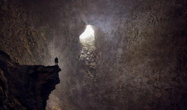 Homem em caverna