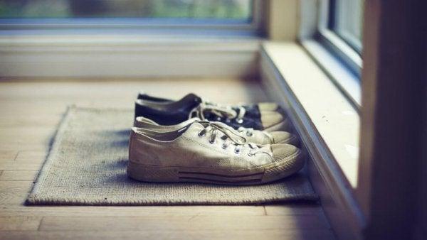 Sapatos em tapete