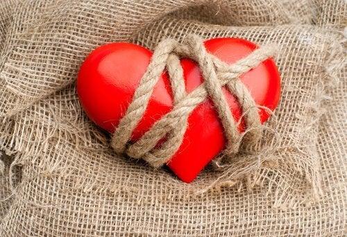 Coração amarrado