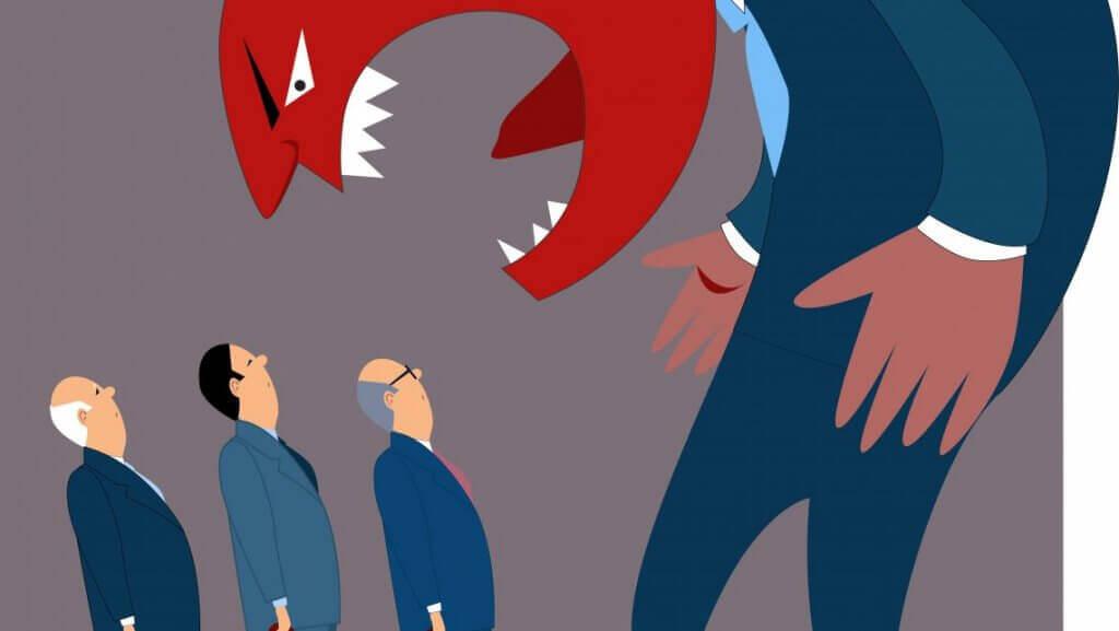 Chefe brigando com seus funcionários
