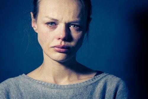 Mulher com transtorno de personalidade