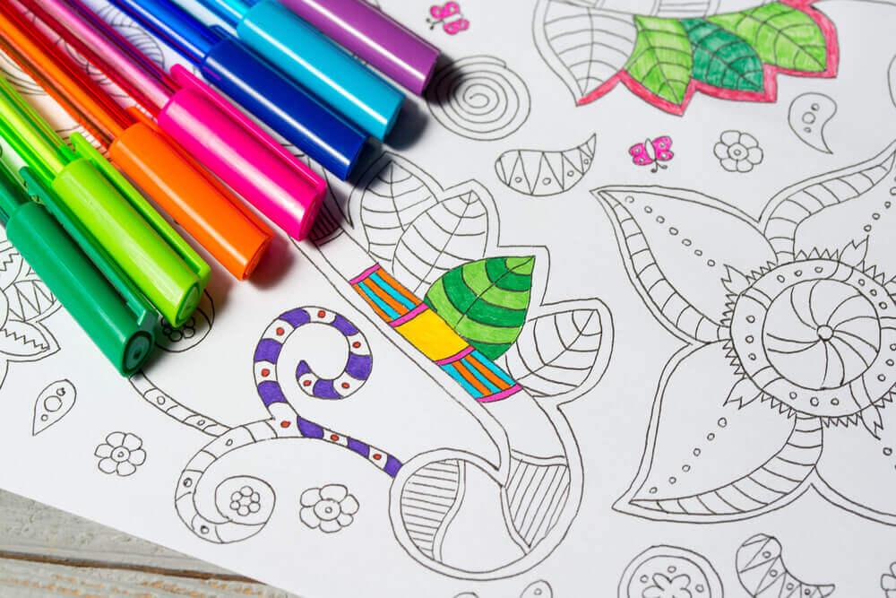 Benefícios de colorir mandalas
