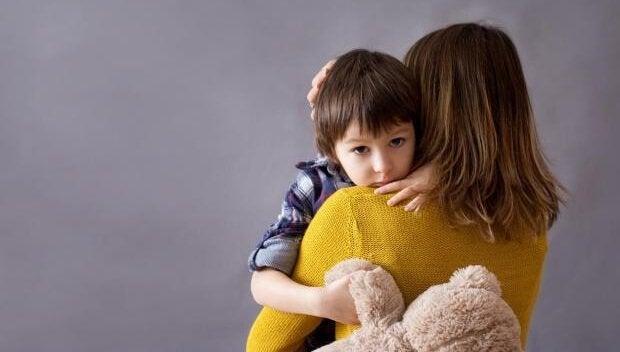 Filho como consolo para uma mãe deprimida