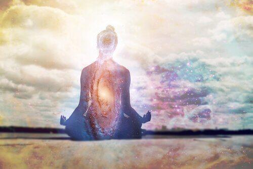 A repetição de mantras pode acalmar a mente