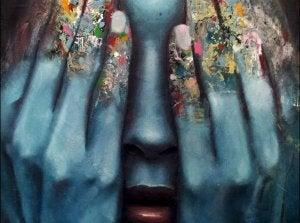 Mulher cobrindo seus olhos