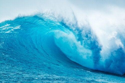 A metáfora das ondas na praia: a terapia de aceitação e compromisso