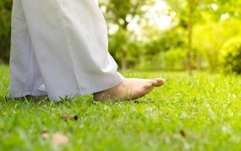 Sentir a grama nos pés