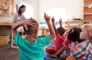 Por que o controle na sala de aula é fundamental?