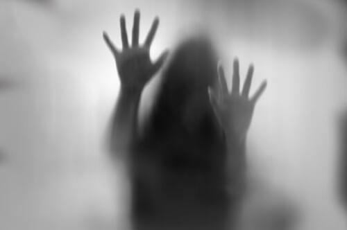 Mulher com síndrome de Cotard